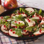 Ensalada de rúcula, manzana y granada